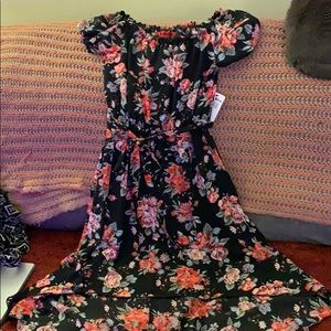 Hot kiss medium black floral dress